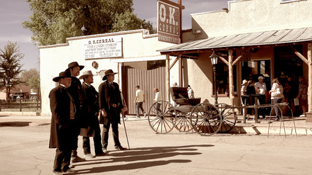 Gunfighters in the streets of the wild west town of Tombstone, Arizona Editoriali
