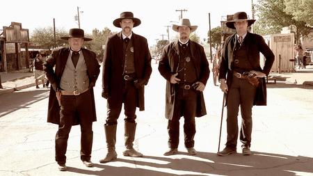 Gunfighters in de straten van het wilde westen stad van Tombstone, Arizona