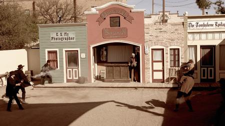 Cowboys und gunfighters reenact die Schießerei am OK Corral in Tombstone, Arizona Standard-Bild - 55061956