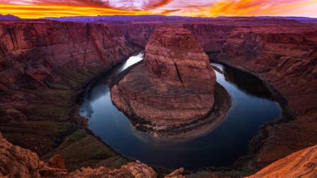 Der Colorado River wickelt sich um Horseshoe Bend in Page, Arizona, Zeitraffer Standard-Bild