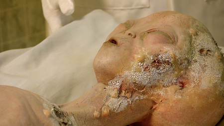 visitors area: Alien body on gurney being examined after its spaceship crashed near Roswell. A display at the International UFO Museum and Research Center in Rowsell, New Mexico Editorial