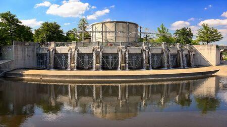 Flood control gate along the San Antonio River in San Antonio, Texas Imagens