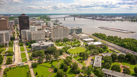 Aerial view of Baton Rouge, Louisiana and the Mississippi River 스톡 콘텐츠