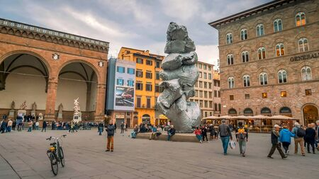 FLORENCE, ITALY - NOVEMBER 12th: Modern sculpture called Big Clay sits in Piazza della Signoria in downtown Florence, Italy on November 12th, 2017 Editoriali