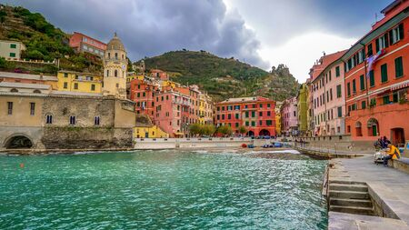 VERNAZZA, ITALY - NOVEMBER 14th: Cinque Terre fishing village of Vernazza in La Spezia, Italy on November 14th, 2017 Editoriali