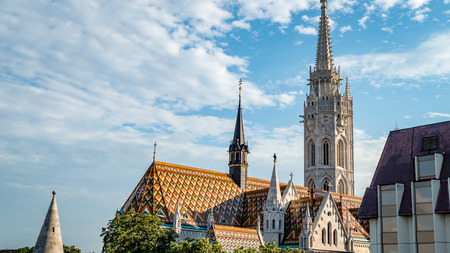 ブダペスト教会大聖堂シーンハンガリー。非常に多くの主要な観光スポットや地域の観光スポットのポイントの一つ。 写真素材 - 95518422