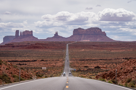 View of the Monument Valley road featured in the forest gump film Zdjęcie Seryjne - 122953216