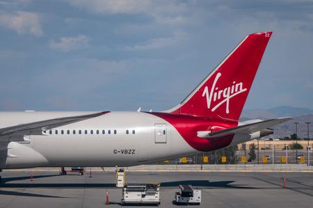 Virgin Atlantic 787 dreamliner arriving at LAS VEGAS McCarran Airport Редакционное