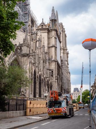 Cathédrale Notre-Dame de Paris construction and refurbishment rebuild work