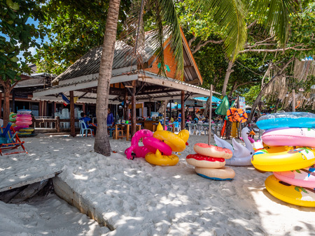 Childrens inflatables for rent for use in the gorgeous waters of Koh Samet Thailand Publikacyjne