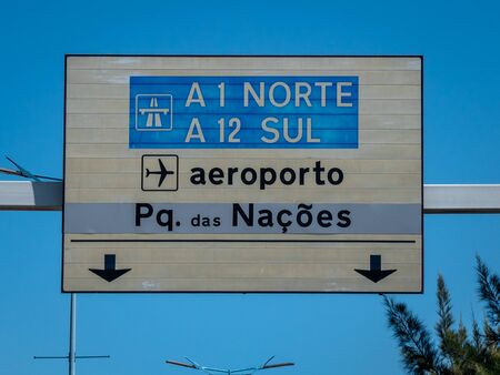 Lisbon Portugal Lisbon Portela Airport Highway Sign Shot Midday in Summer Directions to the Airport No People September 13, 2019, Humberto Delgado Airport, also known simply as Lisbon Airport or Porte Standard-Bild - 139852145