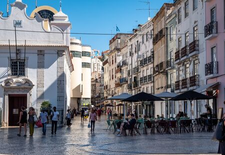 Lisbon Portugal Street View City life Normal Day Showing Everyday Life Lisbon Residents September 13, 2019, Streets adorned with beautiful residential buildings and apartments in the old town Standard-Bild - 139857752