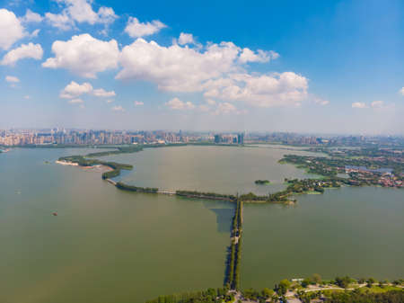 Summer scenery of East Lake Tourism Scenic Area in Wuhan, Hubei 版權商用圖片