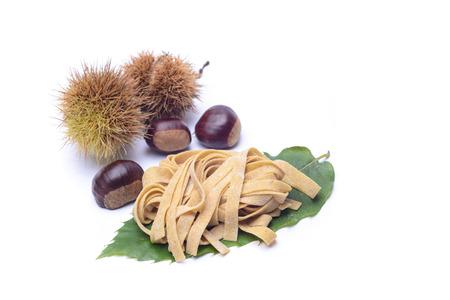 farina: tagliatelle fresche di farina di castagne