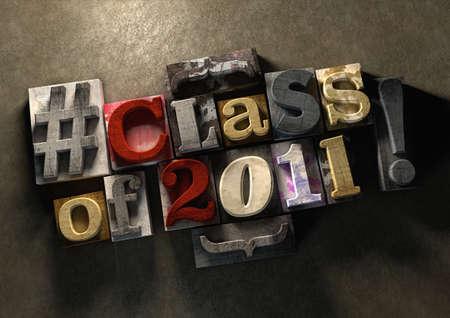 클래스 동창회 2011 제목 목조 잉크 산산조각 인쇄 블록에. 콘크리트 배경에 지저분한 타이 포 그래피입니다. 올드 스쿨 친구들과 동급생을 재결합시키