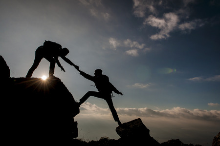登山者のシルエットのスポーツ クライミング ・