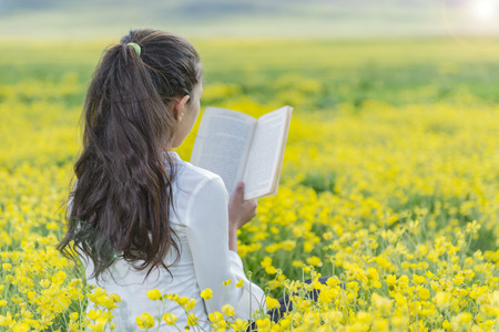 culture reading in nature
