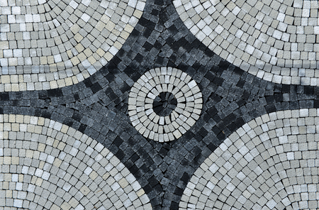 pavement landscape and design;Circle Design pattern in patio paving