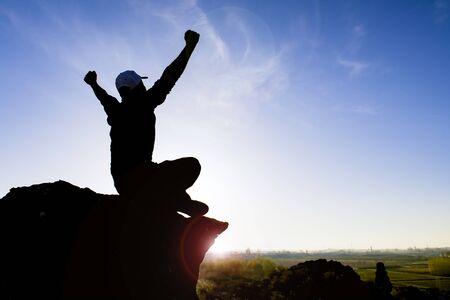 résumé de la vie d'une personne qui se fixe des objectifs et réussit