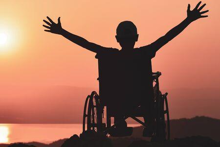 loco discapacitado y estilo de vida inusual