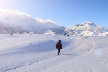 mountaineers' new adventure and adventure on snow