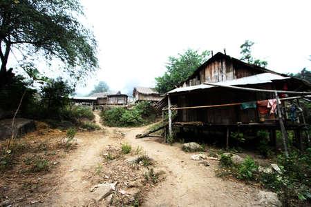 tribu: casa de la tribu de la colina en Tailandia