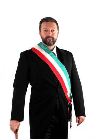 Studio photo d'un maire italien sur fond blanc Banque d'images