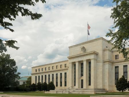 vista obliqua dell'edificio della Federal Reserve Archivio Fotografico