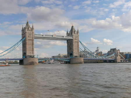 wide view of tower bridge and river thames, london Reklamní fotografie