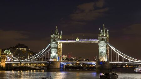 night view of tower bridge in london 免版税图像