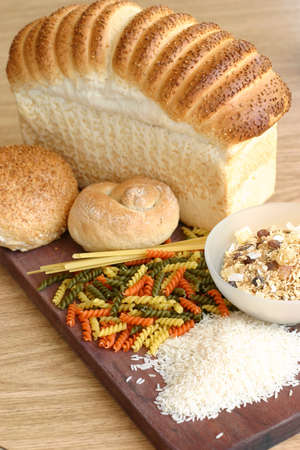 comiendo cereal: Pasta de arroz pan de cereales plato