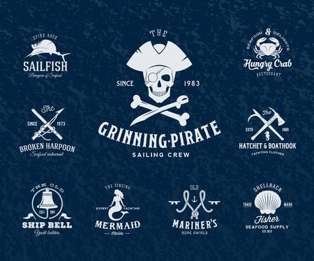 sailfish: Etiquetas náuticos de la vendimia o elementos de diseño retro con las texturas y la tipografía. Piratas, arpones, Nudos, conchas de mar, sirena, pez vela, campanas, etc. Se adapta Perfecto para un diseño de la camiseta, pósters Flayers, Logos así sucesivamente. Ilustración vectorial aislado.