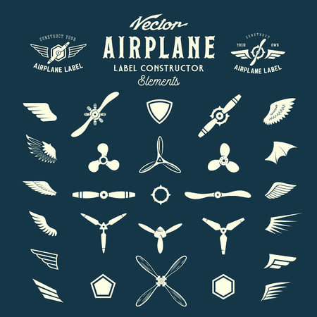 piloto de avion: Resumen del aeroplano del vector etiquetas o logotipos Elementos de construcci�n. En el fondo azul.