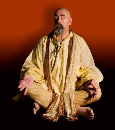 illuminati: Funny guru seduta di loto stile.  Archivio Fotografico