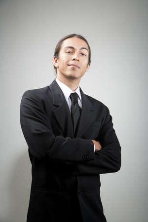 mann mit langen haaren: Portr�t der jungen gemischten Rasse Mensch Lizenzfreie Bilder