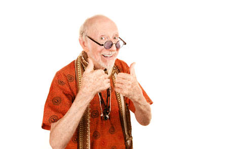 new age: Senior Man New Age, dando un alegre pulgares arriba