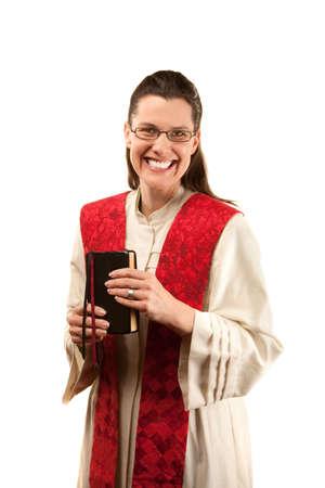 robo: Pastor femenino con estola rojo y la Biblia