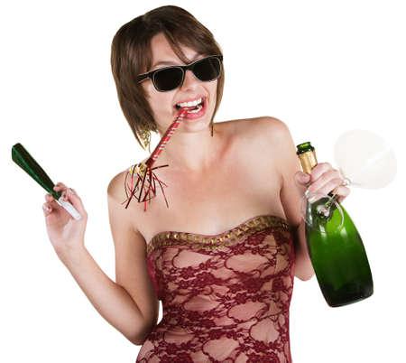 cotillons: Dame heureuse avec vin et cotillons sur fond blanc Banque d'images