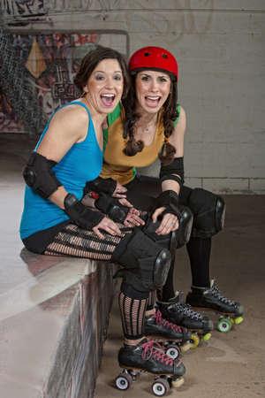 spectators: Las chicas de roller derby como espectadores r�en