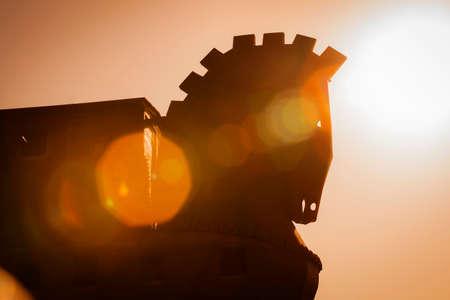 cavallo di troia: Silhouette Trojan Horse Struttura a Troia in Turchia con il Lens Effects