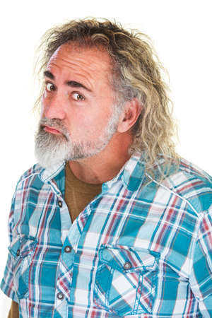 disapproving: Insultato uomo maturo scontroso in camicia di flanella