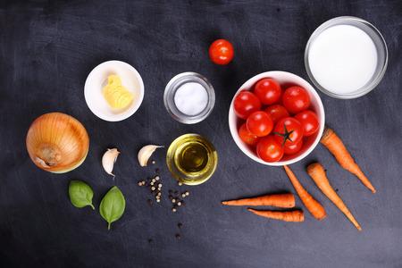 garlic: ingredientes para la sopa de tomate