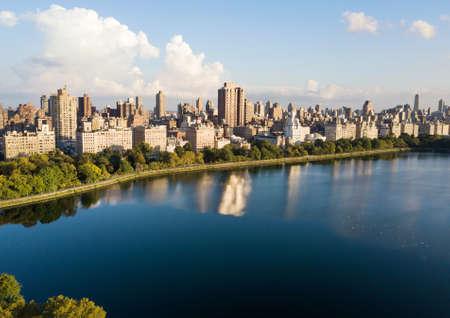 ニューヨーク市街空撮とセントラルパーク貯水池
