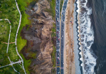Drone photo of Costa Verde highway near the beach in Lima 免版税图像