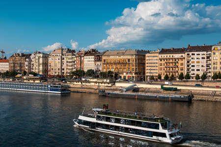 Budapest traditional architecture buildings rising above Danube river in Hungary 版權商用圖片