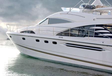 Luxury yacht at Dubai Marina with complete path.