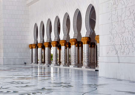 abudhabi: External view of Abu Dhabi Grand Mosque, also known as Sheikh Zayed Masjid