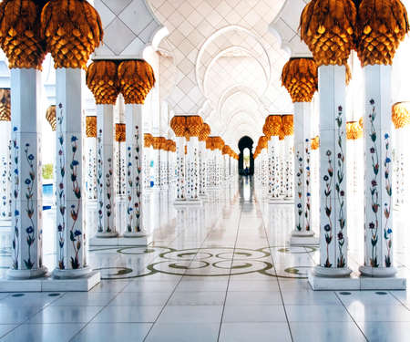 Pathway of the Grand Masajid in Abu Dhabi  Also known as Sheikh Zayed Mosque
