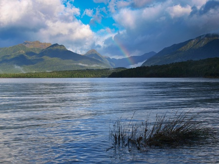 kepler: Rainbow above Manapouri lake along the Kepler track