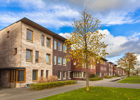 Grote Modern Middle Class Huizen in de voorsteden in Europa